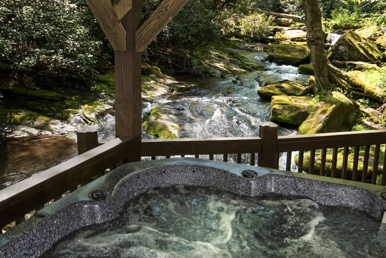 Luxury Cabin Rental On Trout Stream With Three Bedrooms
